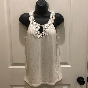 💥5/$25 Sml Rafaella white tank with crochet neck